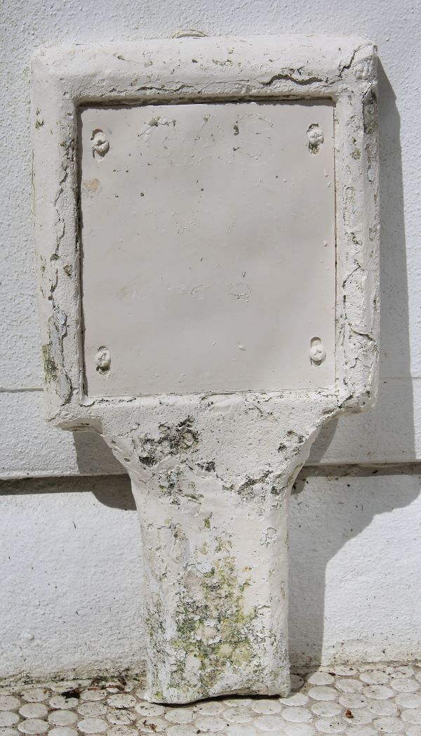 First plaster cast of gas marker