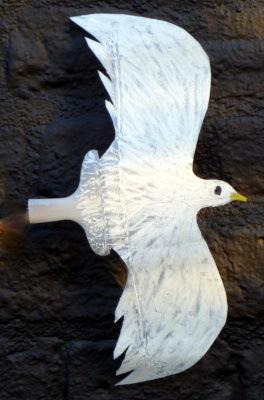 Seagull: simple plastic bottle art