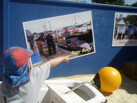 Wells-next -the-sea Surestart Childrens Centre: Postcard Art