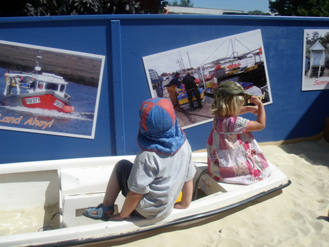Wells-next-the-sea  Surestart Childrens Centre: 'Outdoor Postcards'.7