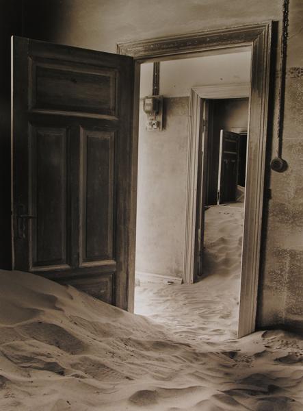 Namibia: Kolmanskop I