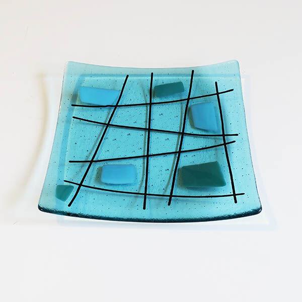 criss cross blue square dish
