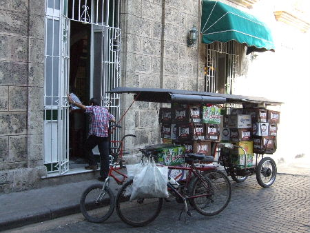 Delivery tricycles, Havana