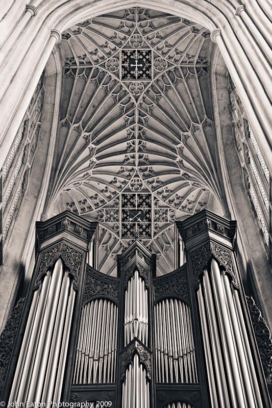 Organ and North Transept