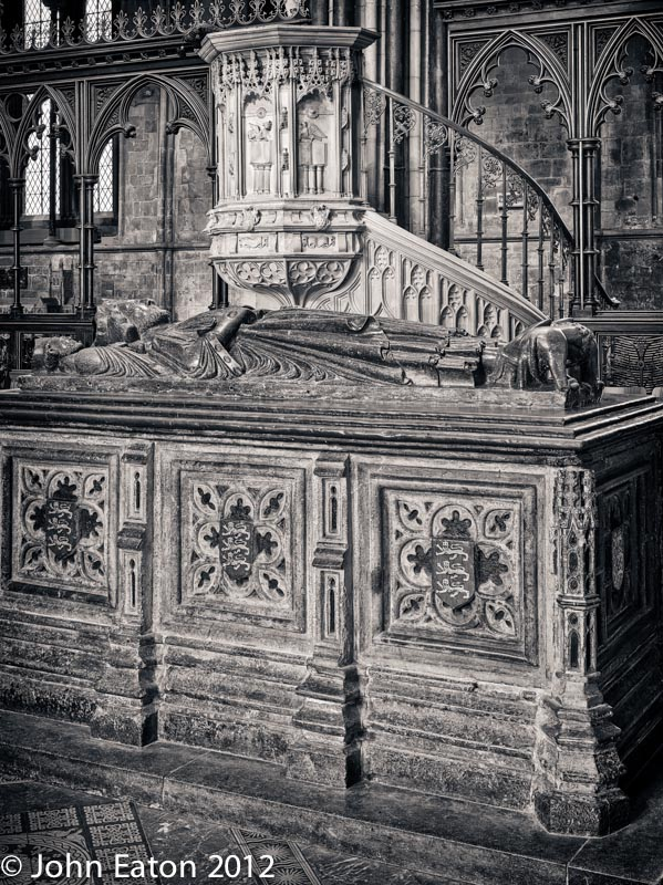 Nave, Tomb and Pulpit