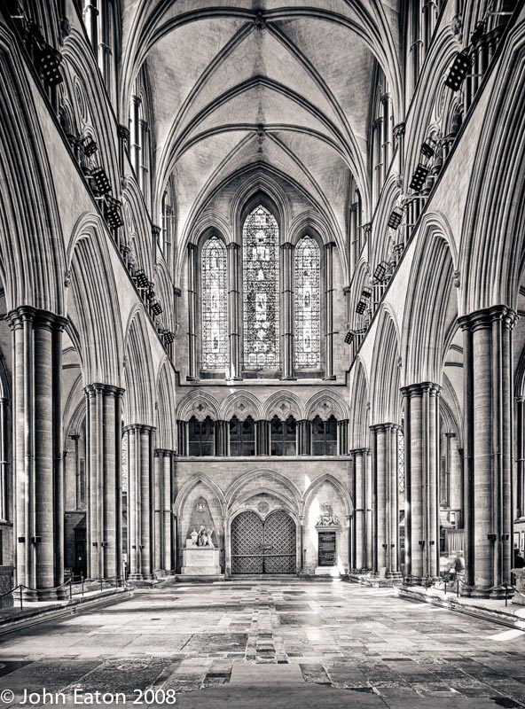 Nave, West End