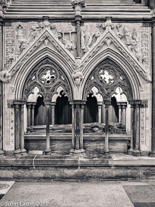 Tomb, Bishop Giles de Bridport