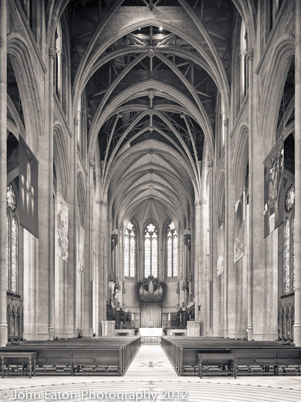 Grace Cathedral, Nave