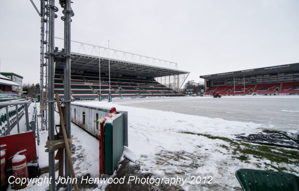 19-01-13, Snow removal from Tigers Welford Road Rugby Ground  in preparation for tomorrows Heineken Cup match against Toulouse