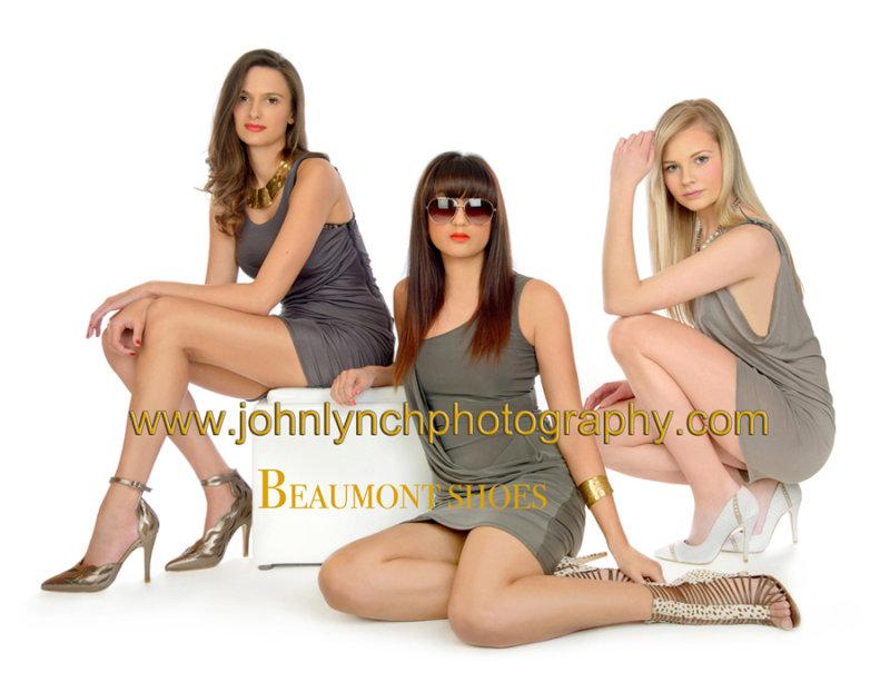 MODEL PORTFOLIO & PRODUCT PHOTOGRAPHY