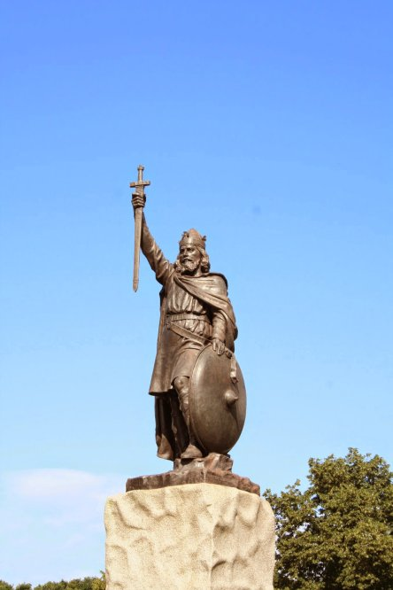 King Alfred the Great with crown, from a statue  located in his home city of Winchester