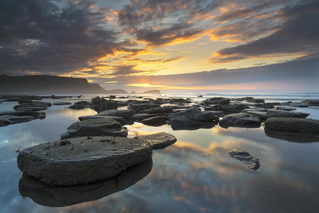 0631 Saltwick Bay Sunset