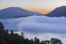 3952 Autumn mist over Derwent Water