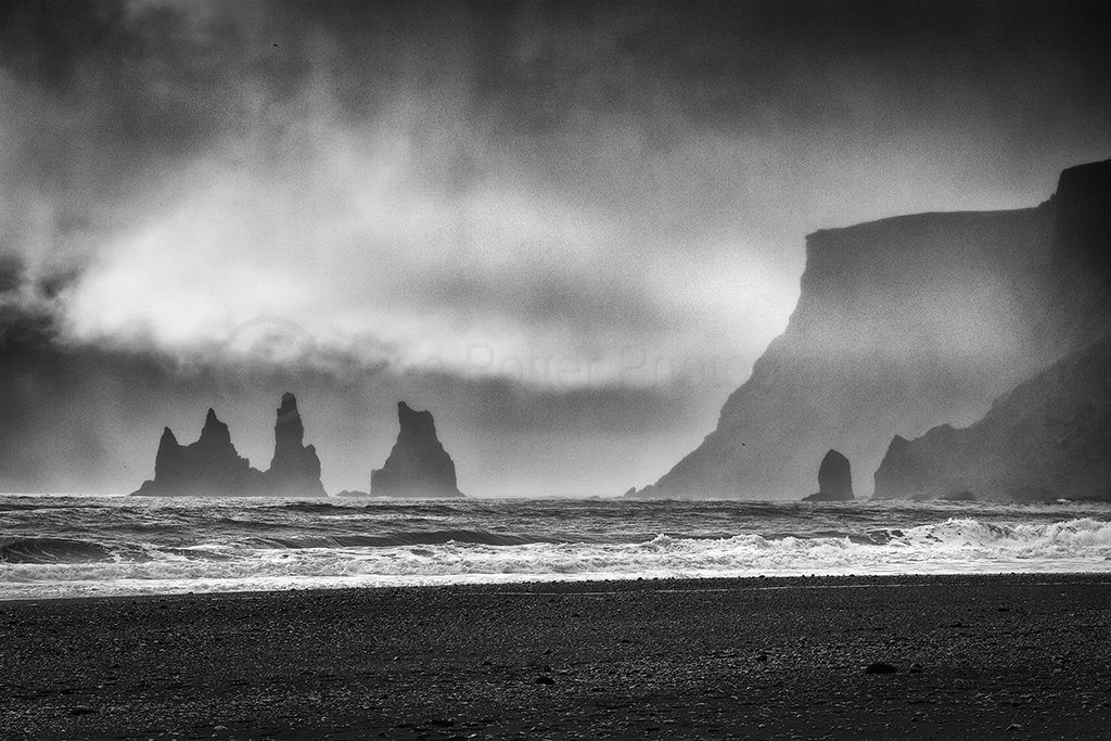 8967 Vic Sea Stacks Southern Iceland