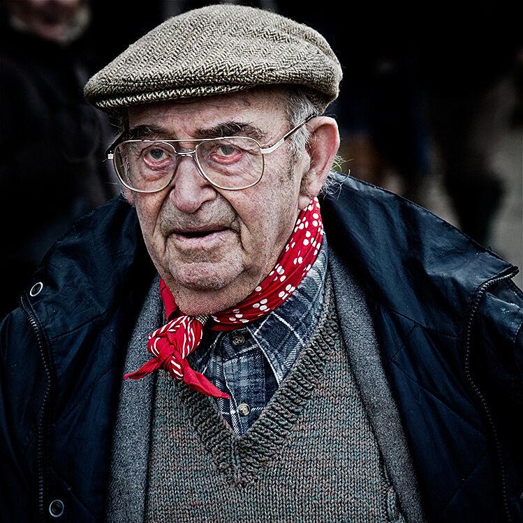 135 Red Cravat