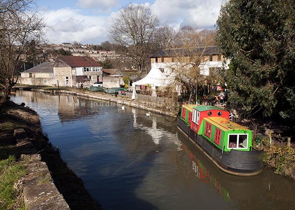 Lock Inn Boat