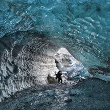 Ice Cave Explorer