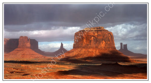 Monument Valley mesas