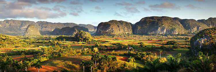 Valle de Vinales - early morning