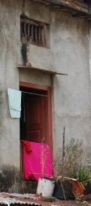 Hanging out the washing In Arughat, Manaslu