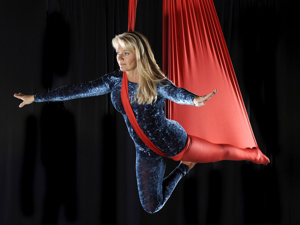 Aerial Silks and Trapeze performer Bo Ekstrand
