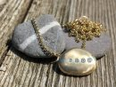 Diamond Veined Pebble Necklace - Gold