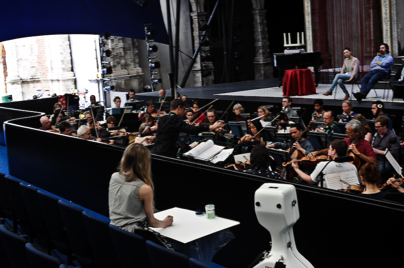 Collaboration with Opera Holland Park, London: the maestro in action at rehearsals during a Puccini production