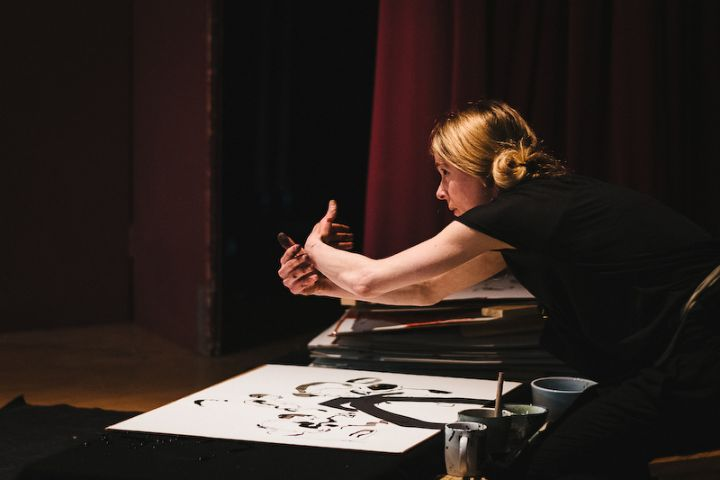 Hedda - a fusion of dance, sound and Japanese ink drawings