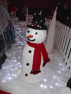 Snowman, knitted by Lilla Wren