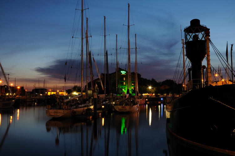 Hull Marina at dusk