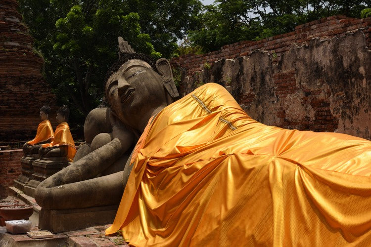 Reclining Buddha at Wat Phutthaisawan
