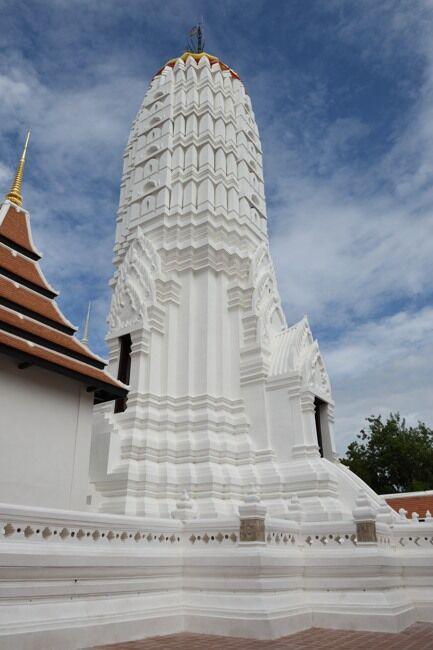 Prang at Wat Phutthaisawan