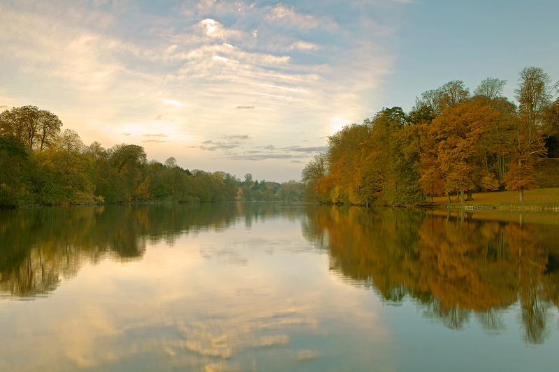 Fonthill Lake in Autumn
