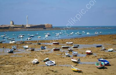 Cadiz Harbour at low tide