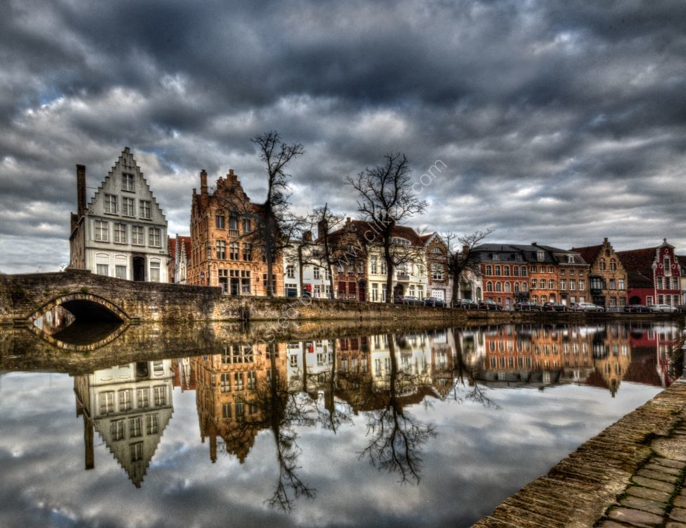 Bruges before the storm