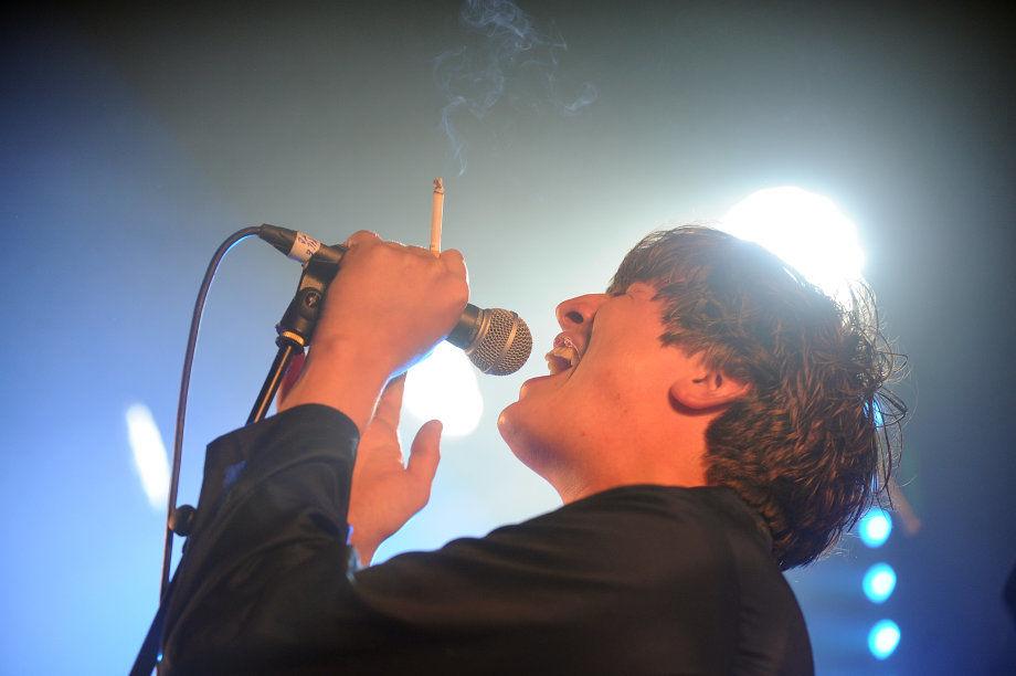 Lee Broadbent singer with Cabbage, Kendal Calling, 2017