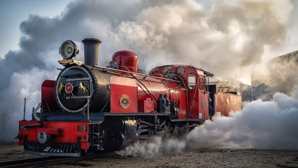 Surrounded by steam-P-Covarr-Eileen -MD