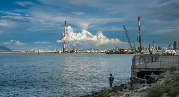 Winning Image in non-photographer spouse category - Penang harbour - Hedwig Malan