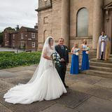 Bride_and_father_arrive_at_the_church
