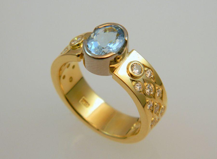 Aquamarine - Diamond Ring