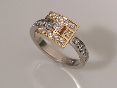 Diamond Ring in Yellow & White Gold