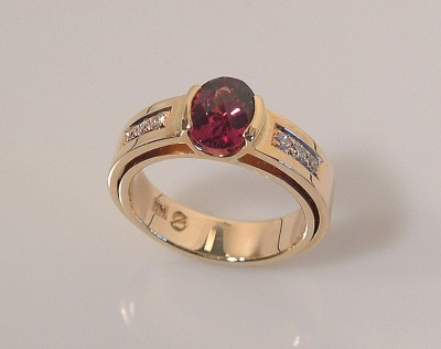 GARNET RING - DOUBLE SHANK