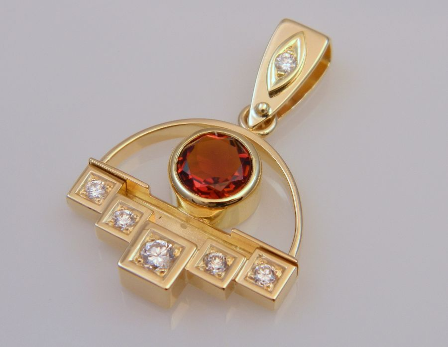 Gold Pendant with Mandarin Garnet & Diamonds