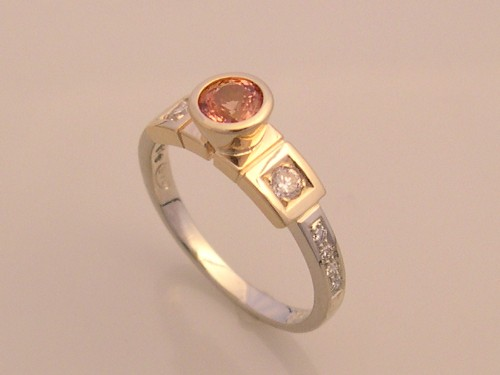 Gold Ring with Honey Sapphire & Diamonds