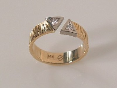 Open Band with Diamonds in White Gold