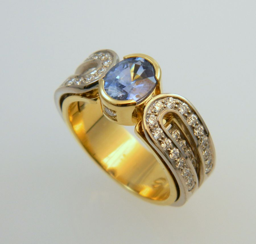 Sapphire Ring in 18k yellow & white gold