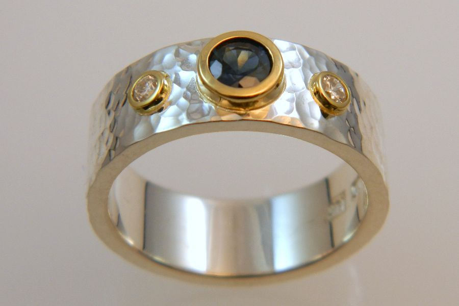 Silver Ring with Sapphire Diamonds in 14K Gold Setting