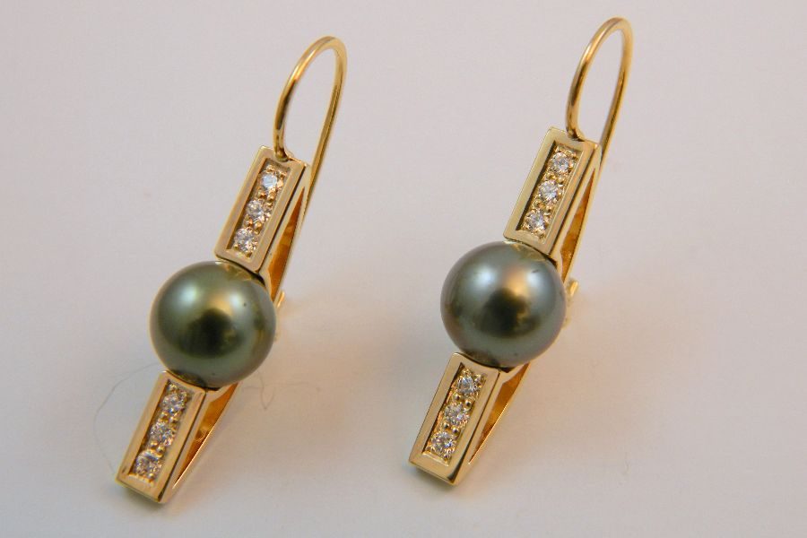 Tahitian Pearl Earrings with Diamonds