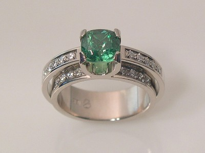 TSAVORITE RING - DOUBLE SHANK