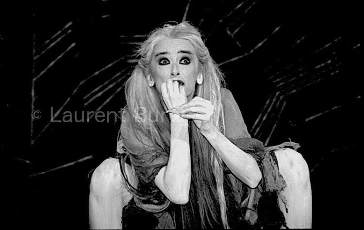 """Nuria Moreno in Lindsay Kemp's """"Cinderella"""" (2)"""